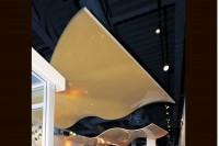 Парящий натяжной потолок черный с желтым
