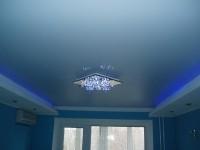 Натяжной потолок в подсветкой неон