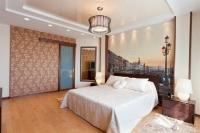 Натяжные потолки в спальной комнате_3
