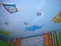 Натяжные потолки в детской комнате_34