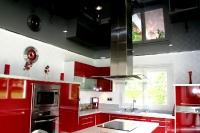 Натяжные потолки на кухне_1