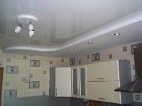 Натяжные потолки на кухне_22