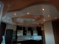 Натяжные потолки на кухне_32