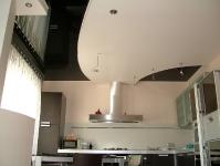 Натяжные потолки на кухне_3