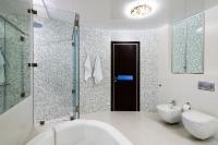 Натяжные потолки в ванной комнате_18