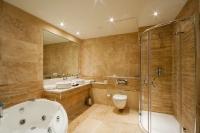 Натяжные потолки в ванной комнате_29