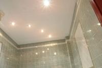 Натяжные потолки в ванной комнате_35