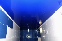 Натяжные потолки в ванной комнате_39