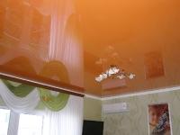 Глянцевые натяжные потолки_39