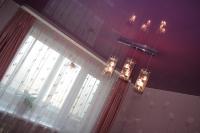 Цветные натяжные потолки_19