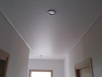 Натяжные потолки в коридоре_30