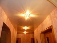 Натяжные потолки в коридоре_4