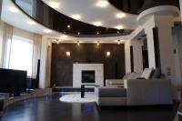 Натяжные потолки в зале, гостинной_25