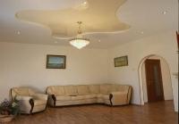 Натяжные потолки в зале, гостинной_7