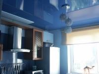 Натяжные потолки на кухне_14