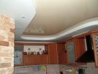 Натяжные потолки на кухне_18