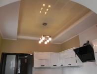 Натяжные потолки на кухне_34